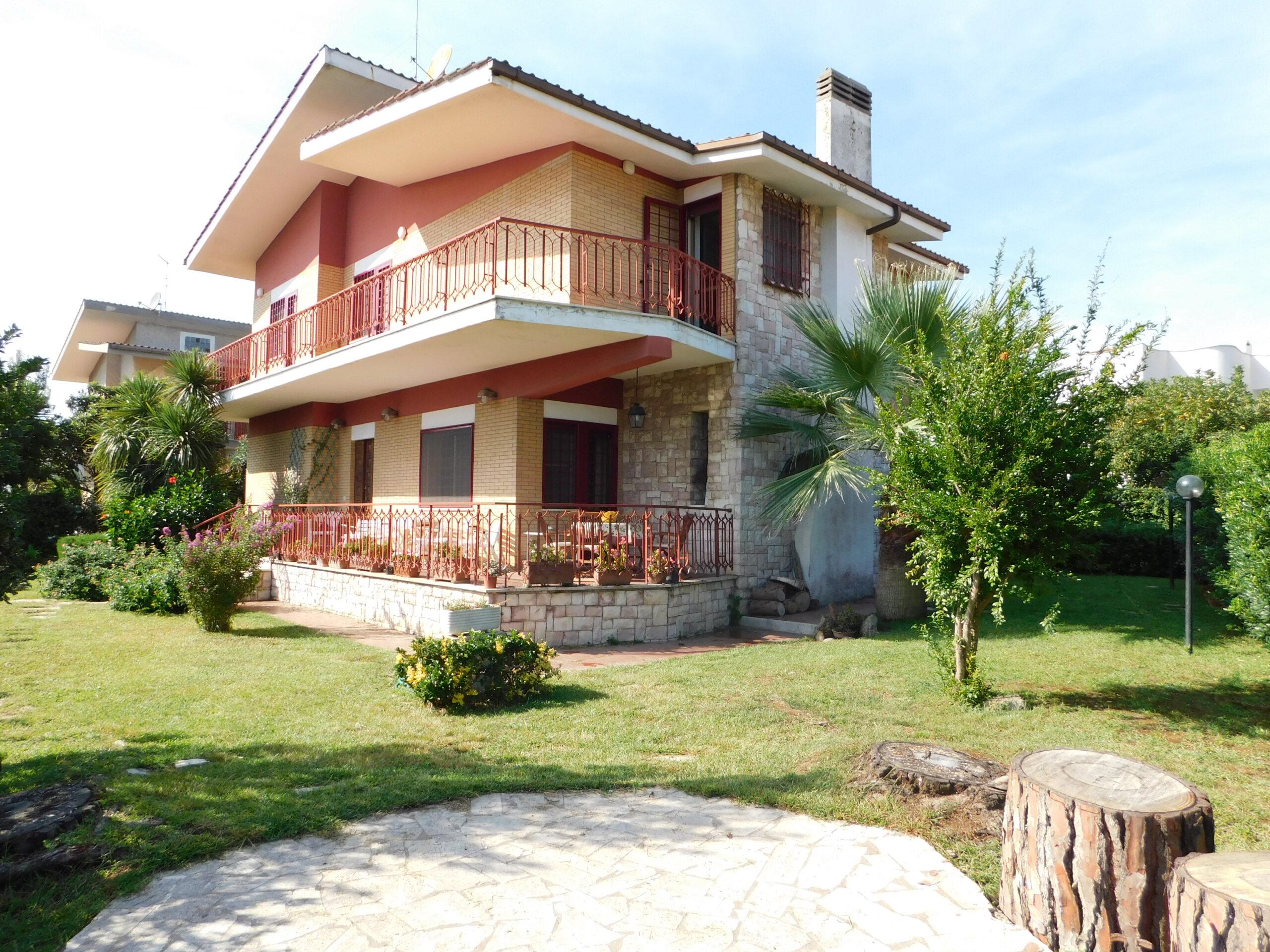 Villa Unifamiliare a Campo di Mare - Via Tirreno, 16